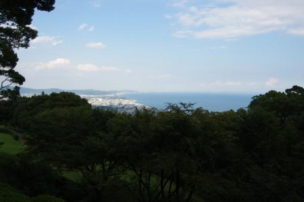目視で小田原城を探すのはなかなか難しい