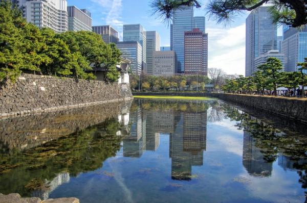 この先には桜田巽二重櫓(現存)が建っている
