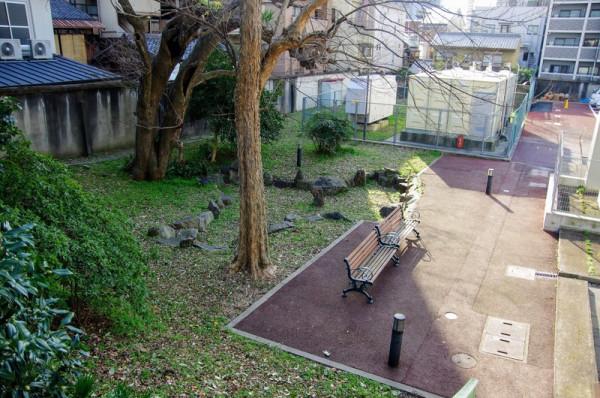 京都逓信病院裏手にあり、石垣も当時のものだとか