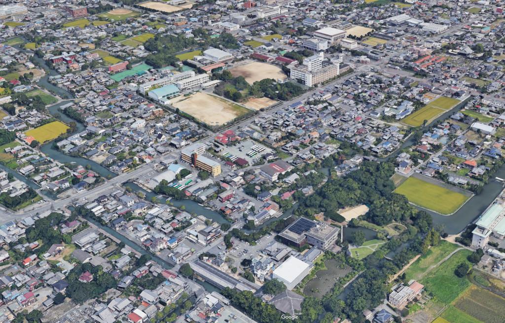 柳川城の本丸・二ノ丸はほぼ残っておらず、堀巡りの水路だけが往時の面影を残していた