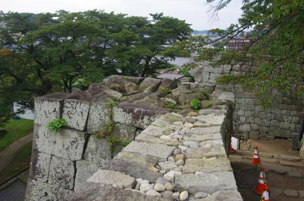 こちらも東日本大震災の傷跡が残っていた