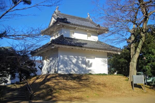 譜代大名の西尾氏により東櫓と共に建てられた二層二階の櫓