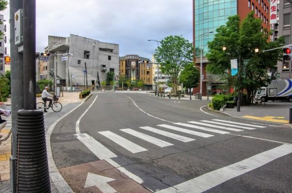 松本城公園から大名通りを南下し女鳥羽川手前が大手門枡形