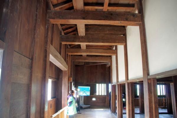 一階は中央に内室が四つあり、その周囲を武者走りが囲っていた