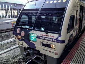 JR岡山駅でみたアンパンマン号